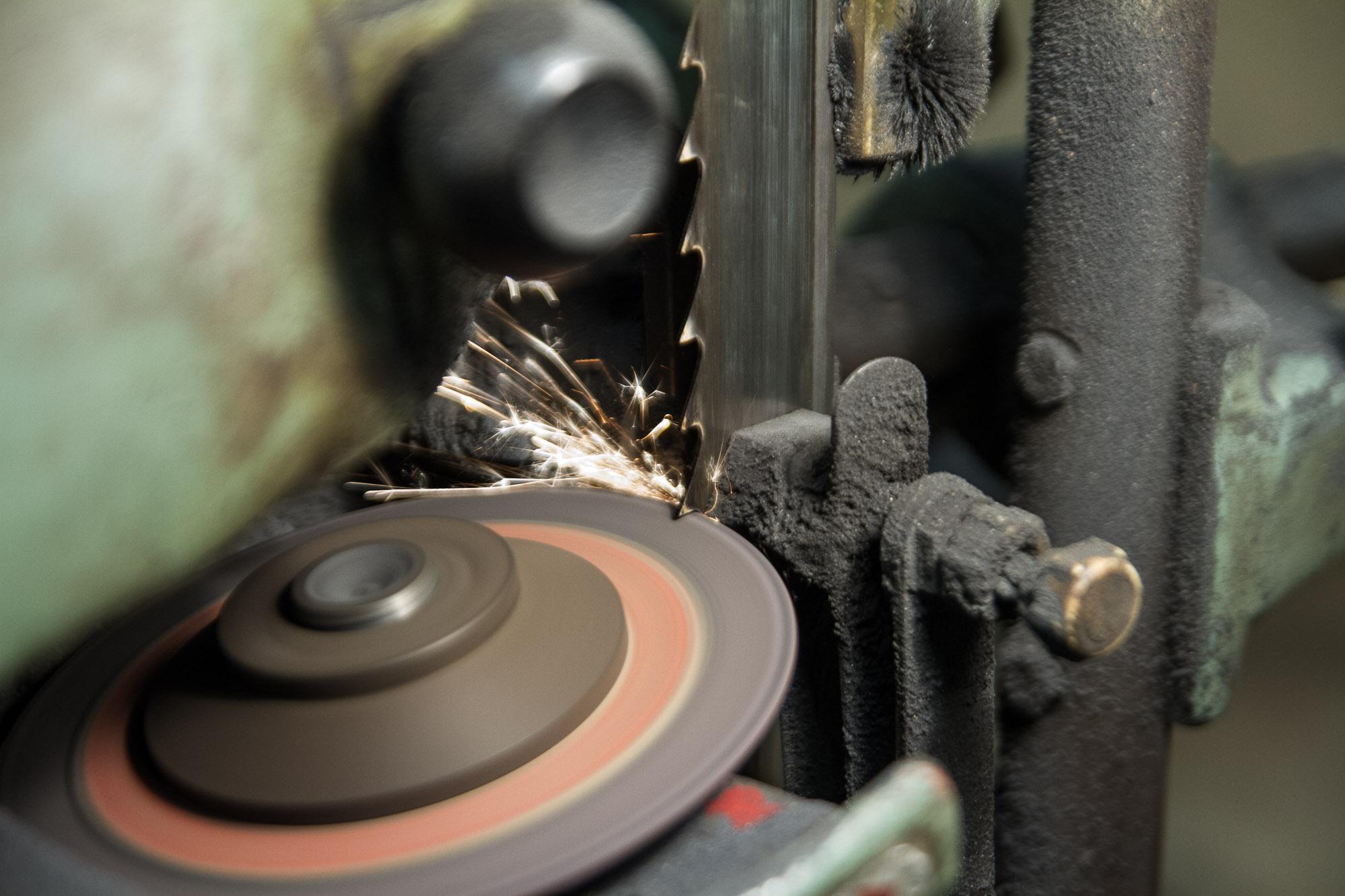 Schleifmaschine, Foto Jan Ramroth